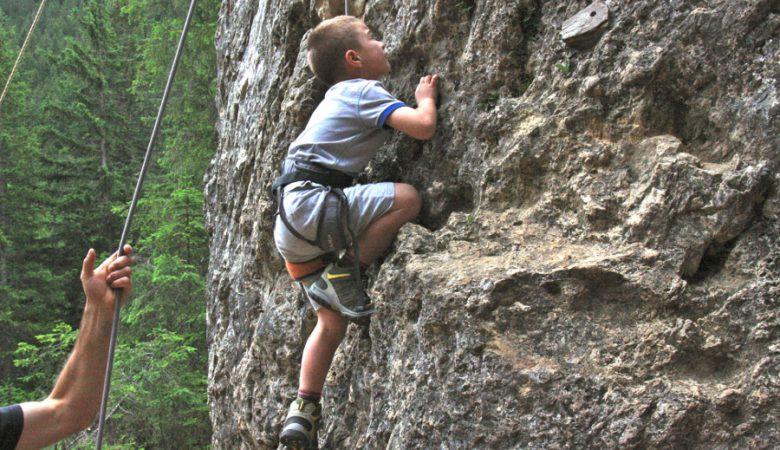 corso-arrampicata-bambini-trentino-1