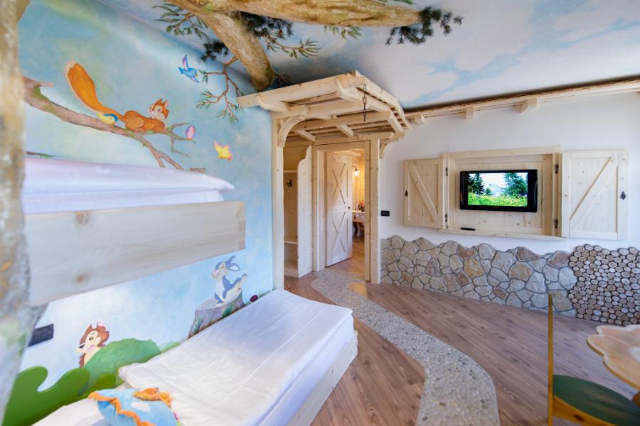 Hotel Con Suite E Camere A Tema Val Di Fassa | Hotel La Grotta
